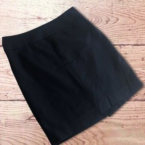 5/$15 The Limited size 10 black skirt